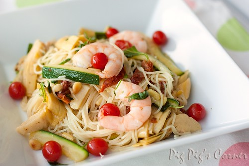 angel hair pasta with tomberries fig balsamic vinegar shrimps 1