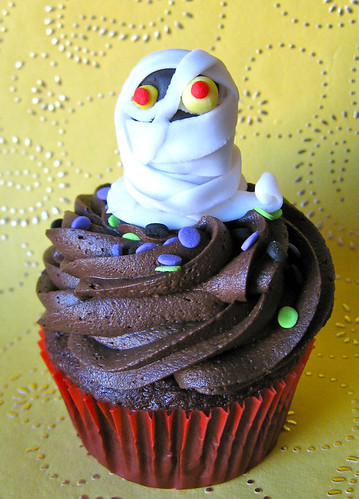 mummy halloween fondant edible cupcake topper