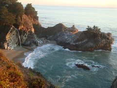 McWay Falls Cove Fall Sunset at Julia Pfeiffer Burns SP (DHLake) Tags: california statepark park ca camping sunset beach creek monterey hiking cove bigsur falls trail pch pacificocean waterfalls granite centralcoast overlook pacificcoast mcwaycove californiastatepark mcwayfalls juliapfeifferburns saddlerock pacificsunset mcwaycreek tidefall fallsoverlooktrail