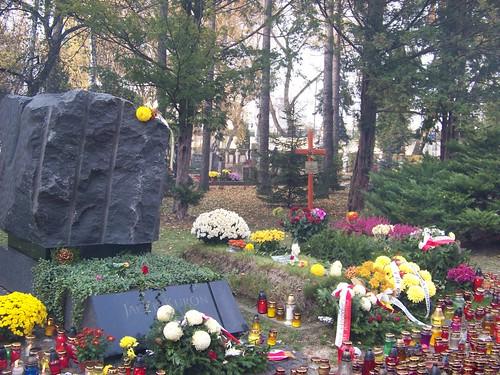 Họ đại diện cho một thế hệ tranh đấu bằng trí óc và lòng quả cảm, để Ba Lan được như ngày hôm nay.