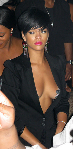 EXCLUSIVE: Jay-Z, Rihanna, And Jamie Foxx Celebrating The 4th Of July At Tao Restaurant In Las Vegas (USA ONLY)