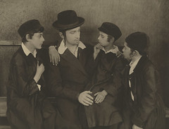 Jacob Kalich (second left) in Mezrach und Maar...