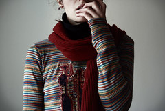120/365 ([ *Noretta ]) Tags: winter set scarf self myself photography nikon stripes naturallight day120 400iso project365 nikond60 120365 december2009