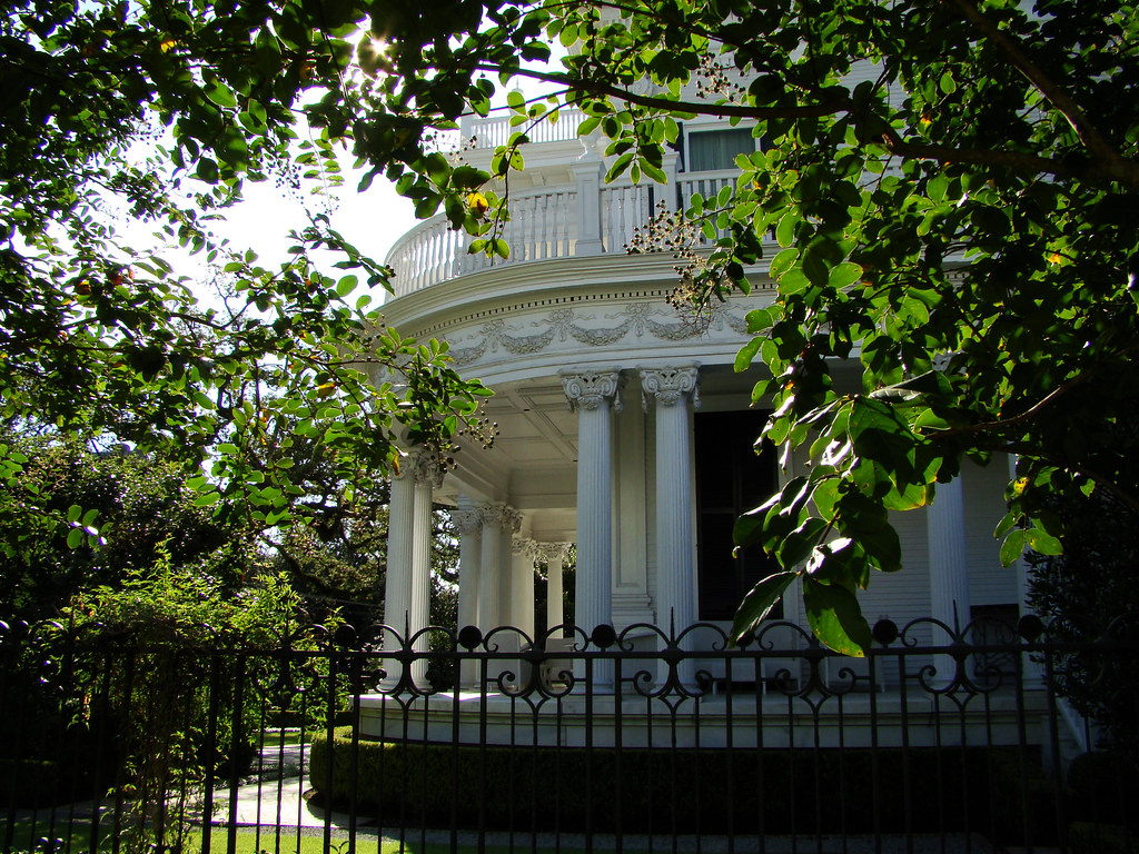 DSC02000 New Orleans mansion