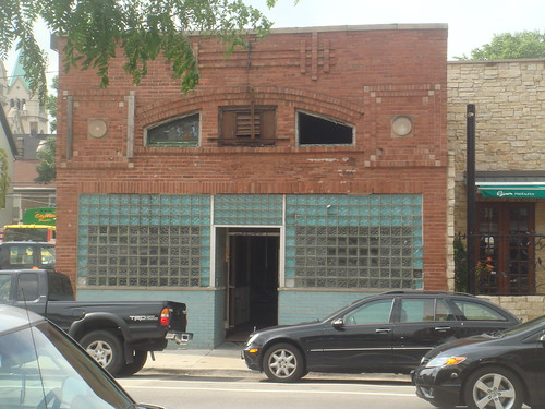 New Restaurant? Sprout, 1417 W. Fullerton, in the old Via Due Wine Bar | Gino's Pizza space