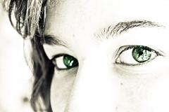 green eyes (Robert Adrian Acosta) Tags: color macro eye face ojo eyes cara occhi ojos mirada rostro ulls ull miradas
