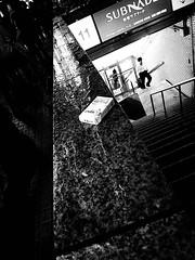 雨上り ~ after rain (20090727_shinjuku_16) (pqw93ct) Tags: bw white black monochrome rain japan tokyo shinjuku after 東京 ricoh 新宿 モノクロ 白黒 雨上り gx200