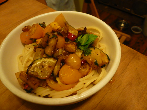 Pasta with squash and cherry tomatoes
