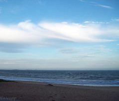 Itsuwari no Musette (Camila Geek Girl) Tags: sea sky cloud praia beach clouds mar cu nuvens nuvem  umi   hama sora sunahama kumo         biichi biiti
