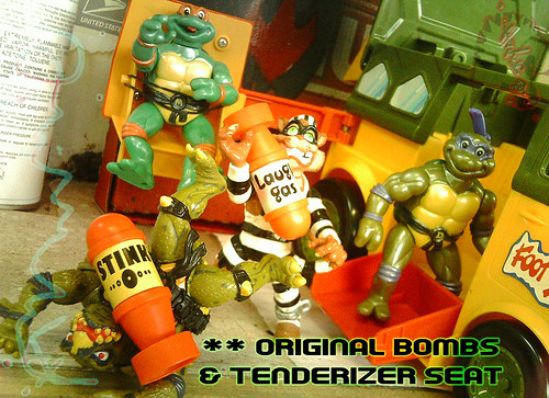 The tOkKa junkyard Car Show :: Classic Party Wagon vs. TMNT 25 Reissue //  Original Bombs & Swing-out Tenderizer Seat
