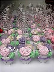 (Lullaby Lembrancinhas) Tags: casamento patchwork aniversrio 15anos maternidade tecido lembrancinhas rosinhas vasinho
