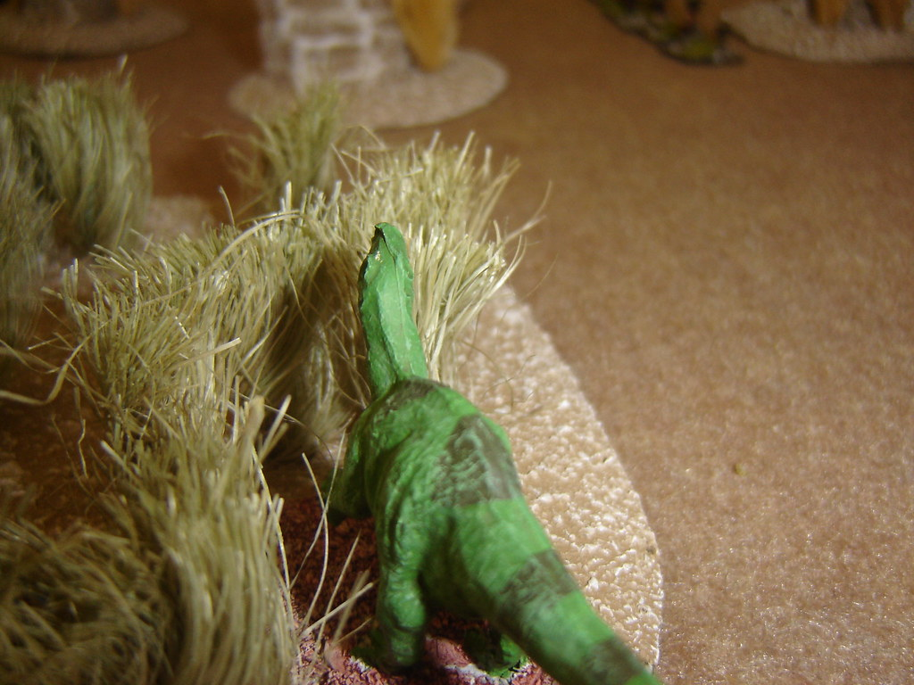 Iguanadon moves into the high grasses