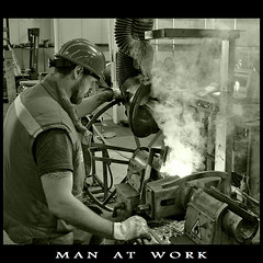 Man at Work (m@®©ãǿ►ðȅtǭǹȁðǿr◄©) Tags: monocromo manatwork canonefs1855mmf3556 blackwhitephotos canoneos400ddigital m®©ãǿ►ðȅtǭǹȁðǿr◄© marcovianna hombreeneltrabajo
