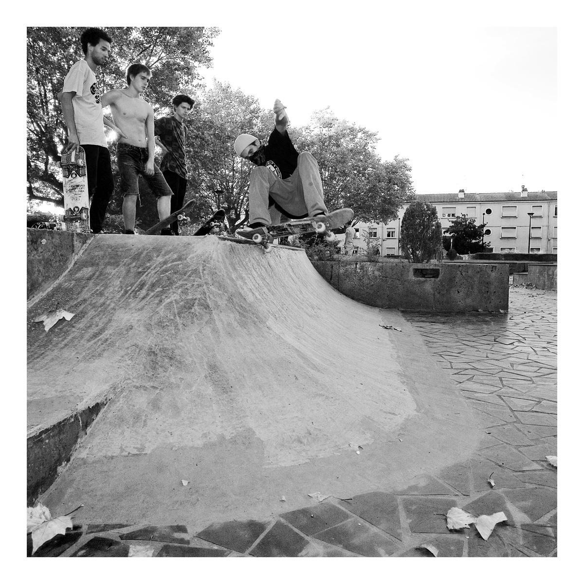 Seb Daurel teste les courbes. Photo: Julien Roques