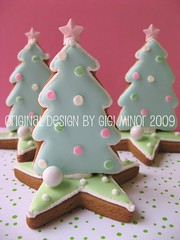 gingerbread small tree on star (Pinks & Needles (used to be Gigi & Big Red)) Tags: pink holiday tree green star 3d aqua cookie candy treats gingerbread explore polkadots gifts sweets minty dots cookiecutter edible 2009 decorated molasses originaldesign royalicing gigiminor pinksandneedles pinksneedles myfrostedwindow 3dcookie