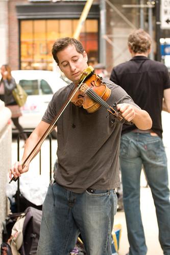 ajkane_090821_chicago-street-musicians_092