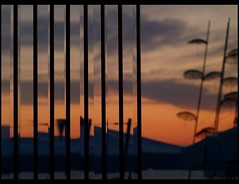 parathlasis (maios) Tags: travel sunset sky reflection water glass greek photo europa flickr photographer hellas greece macedonia thessaloniki fotografia umbrellas salonica manikis maios makedonia iosif  heliography    zogolopoulos             parathlasis iosifmanikis