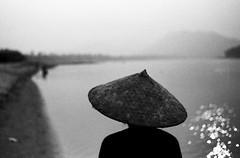 (AlanDejecacion) Tags: southeastasia d76 laos nikonf earlyevening plusx mekongriver luangphabang nikkor3520 southeastasiaalbum