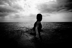 I know a girl who's like the sea (JonathanPuntervold) Tags: sea bw clouds canon u2 denmark jonathan mark horizon hannah ii 5d mermaid 2470l anholt canonef2470mmf28l nolineonthehorizon puntervold jonathanpuntervold