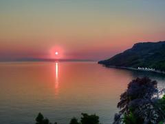 Croazia - Tramonto da Igrane (Marioleona) Tags: sunset reflections landscape tramonto gulf croatia paisaje mario riflessi croazia hdr paesaggio golfo landschap dalmatia makarska dalmazia mariobrindisi