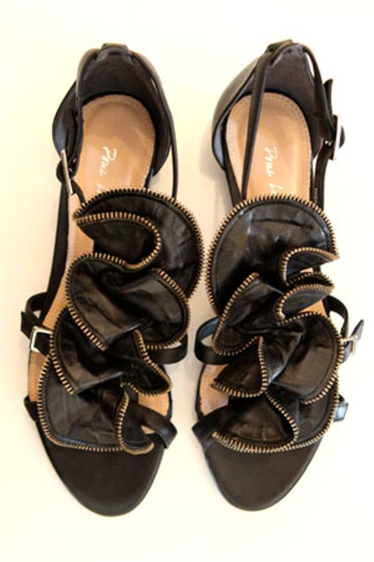 Pour la Victoire Ella zip rosette sandals 2