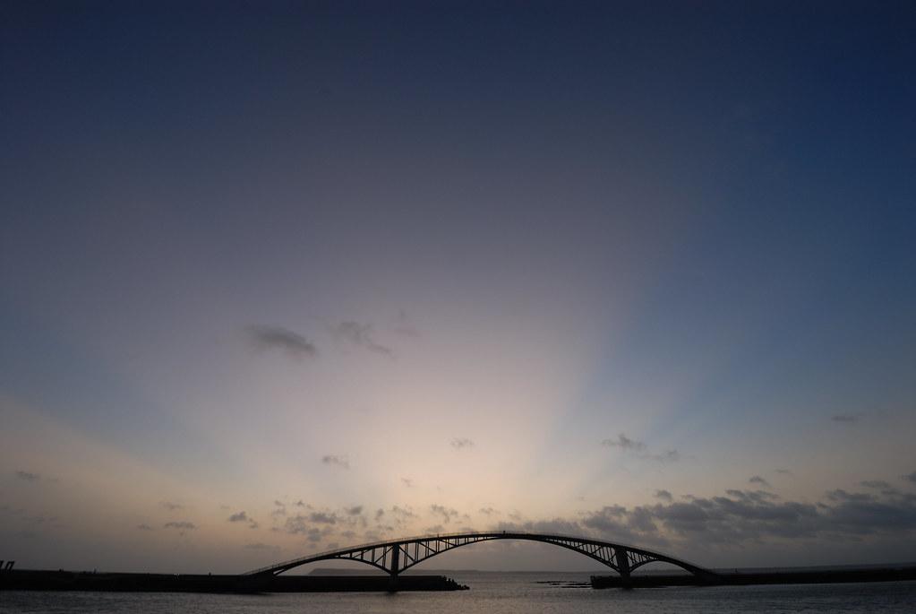 觀音亭霞光:雲隙光