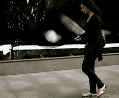 Caution : Never shake your cellphone before calling !!!  :-) Firework risk ! (Pierre Mallien) Tags: street uk wedding england people urban en london canon fun mono photo funny call raw phone belgique image britain pierre candid stage explorer streetphotography pit agency oxford londres metropolis streetphoto mariage regent pour gens tinker photographe tous londonist streetphotographer photoderue relooking streetstyle streetphotograph coolhunters photographiederue 40d rawstreet modedelarue photographemariage photographederue pitvanmeeffe stylehunter mallien pierremallien streetstylers pierremallienphotographe modereportagereportage mariageeventsevenementielsagencemannequinorganisation evenementssocitjennyferconseil pitvanmeeffeandlookyouagency designinfluencers chasseurdelook photodelarue rechercheunphotographemariage stagephotobelgique walloniestage lemeilleurphotographedemariagedebelgique
