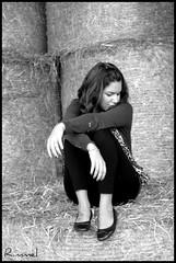 Nascon fiori dove cammina. ([  ] R di Rimmel) Tags: portrait bw italy baby white black me girl female canon myself donna italia milano bn campagna campo 1855 bianco ritratto nero eleonora ragazza eos350 femmina rimmel giovane balledifieno i