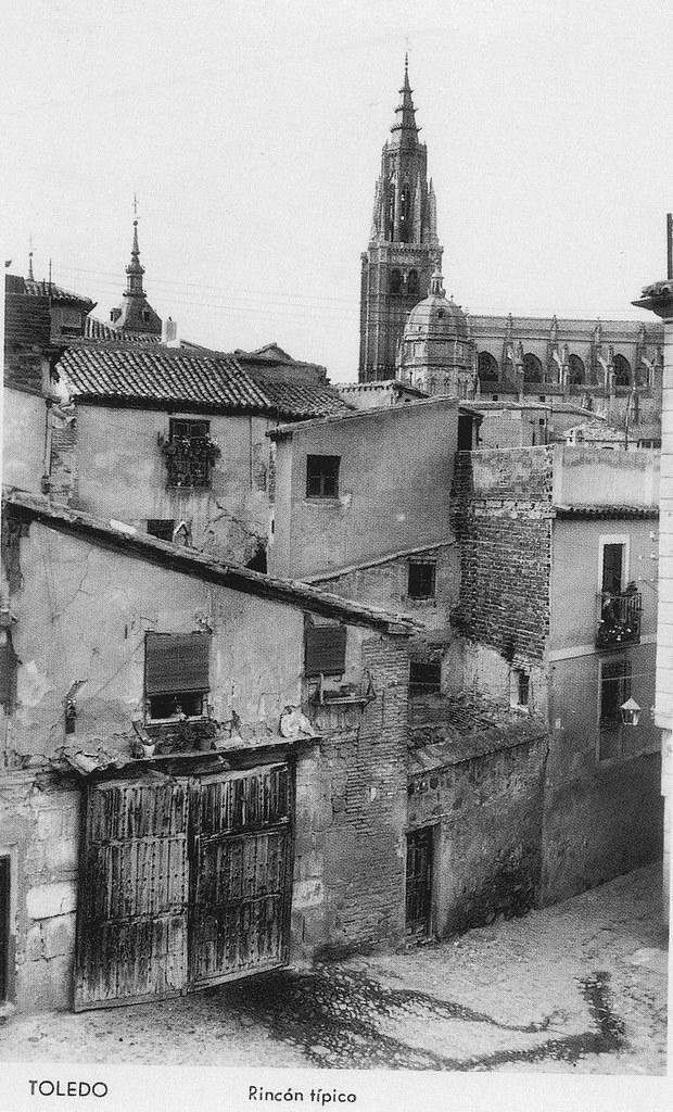 Catedral de Toledo vista desde la Plaza de Santa Isabel a inicios del siglo XX. Foto Manipel