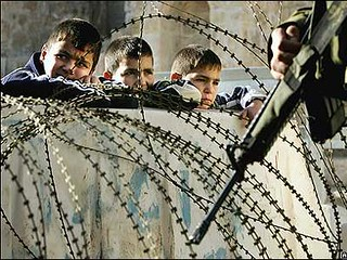 Gaza-boys-fenced-in