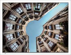 Broken circle (Paco CT) Tags: barcelona sky urban up architecture buildings arquitectura edificios cityscape explore cielo urbano 2009 gothicquarter urbanscape arriba contrapicado paisajeurbano barriogotico ltytr2 ltytr1 pacoct