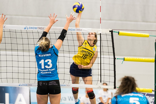 "3. Heimspiel vs. Volleyball-Team Hamburg • <a style=""font-size:0.8em;"" href=""http://www.flickr.com/photos/88608964@N07/32003257903/"" target=""_blank"">View on Flickr</a>"
