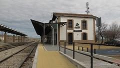 Estación de Moreda (1896) (Landahlauts) Tags: adif andalousie andalouzia andalucia andalusia andalusie andalusien andalusiya andaluzia andaluzio andaluzja canonpowershotg11 comarcadelosmontes compaã±iadeloscaminosdehierrodelsurdeespaã±a compaã±iadelosferrocarrilesandaluces endulus estaciondeferrocarril laborcillas largadistancia linaresbaezaalmeria lineaferroviariademediadistancia68 lineaferroviariademediadistancia71 marquesadodemontilla mediadistancia moreda moredagranada morelabor nudoferroviario railway renfe renfeoperadora estaciondemoreda bifurcacion bypass triangulodemoreda 1896 compañiadelosferrocarrilesandaluces codigo56100 talgo spanishrailway compañiadeloscaminosdehierrodelsurdeespaña endülüs granadaportrenya