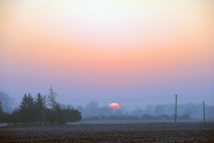 Graßlfing c Birgit Franke (Pixelkids) Tags: sonnenaufgang sonne morgen morgennebel graslfing bayern