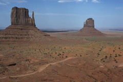 The Mittens, Monument Valley, Arizona (Yvon from Ottawa) Tags: arizona monumentvalley mittens visitorscentre