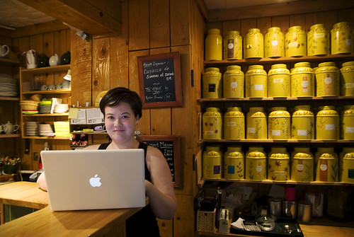 Blogging at the tea house