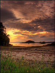 Eilean Nan Gobhar - Goat Island (angus clyne) Tags: sunset scotland rum arisaig eigg flikcr roshven glenuig lochailort bobsboat colorphotoaward eileannangobhar roshvenbeach