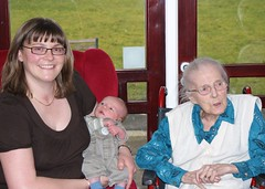 DSC00023 (Rhys Thomas Marshall) Tags: lily aunty
