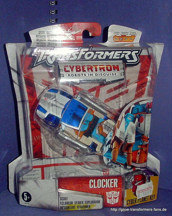 Clocker Cybertron Scout Transformers 001