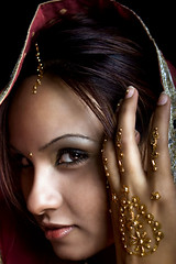 SCALA CAELI (YAHSHEIK) Tags: portrait girl asian gold eyes veil expression indian sari gem jewel homersbeautyofwoman