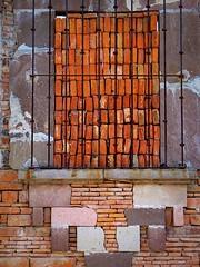 window to wall (msdonnalee) Tags: muro window wall mexico ventana pared architecturaldetail fenster bricks  masonry finestra mexique janela mura mur fentre parede mauer mexiko venster  walldetail    mexicanwall creativebrickwork photosbydonnacleveland murodemxico