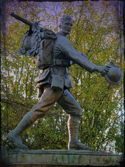 Men of Cambridge (The Homecoming) (topcat_angel) Tags: ww1figurestatuesoldier firstworldwarsecond1st2nd servicemanserviceman