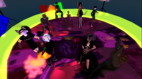 mr widget at muzik haus in secondlife