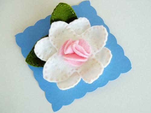 Pale Flower Clip