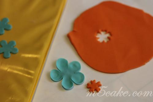 Luau cupcakes - 17