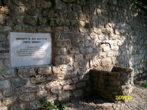 Fontana fonte vembrici -  Monastero San Silvestro Fabriano