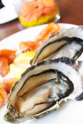 Oysters with smoked salmon