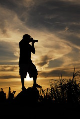 Photography and Photographer (Sharpee) Tags: sunset silhouette photography photographer shootingtheshooter pinoykodakero pkchallenge pinoymacro
