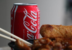 Ice Cold Coke (Just George 2) Tags: food chicken lunch dof bokeh thai chopsticks cocacola gs thaicuisine sesamechicken canonef100mmf28macrousm sambol canoneos5dmarkii thaifoodcart