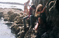 (Tommy Petroni) Tags: ocean friends rocks hiking tide chloe adventure climbing pools nate sammy verdes palos